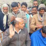 भाजपा में बगावत का बिगुल सैकड़ों लोगों ने कराया मुंडन