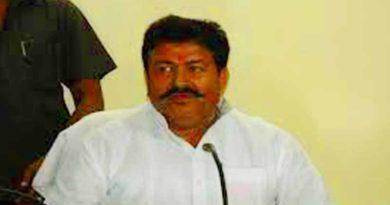 Minister Radheshyam Singh samajwadi party Kushinagar abusing officer