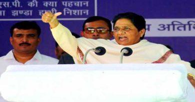 mayawati attacks on mulayam singh and narendra modi