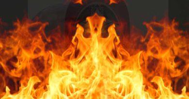 women set fire in ballia ishratganj