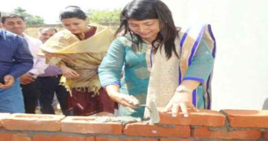 b chandrakala making toilet