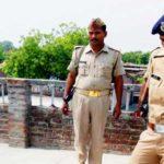 एसपी सुजाता सिंह का सराहनीय कदम, हत्या के बाद शांति व्यवस्था के लिए खुद रही मौजूद