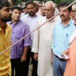विधायक सुरेन्द्र सिंह ने पूर्ति कार्यालय में रंगे हाथों पकड़ा फर्जी वसूली करने वाला युवक