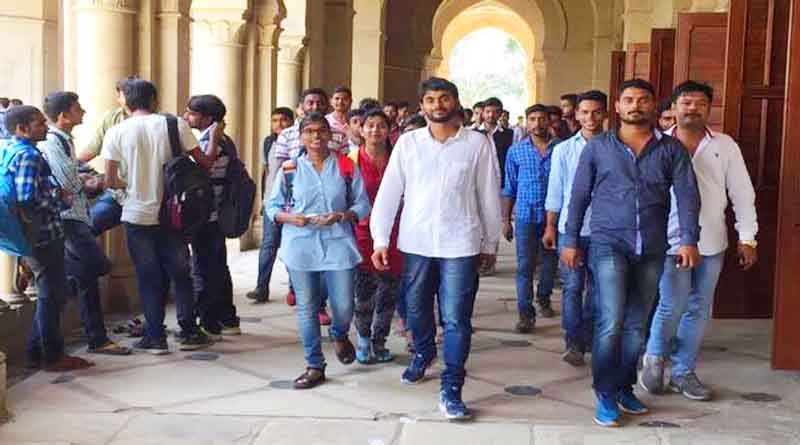 MRITYUNJAY RAO PARMAR ALLAHABAD UNIVERSITY PRECIDENT CANDIDATE DURING CAMPAIGN